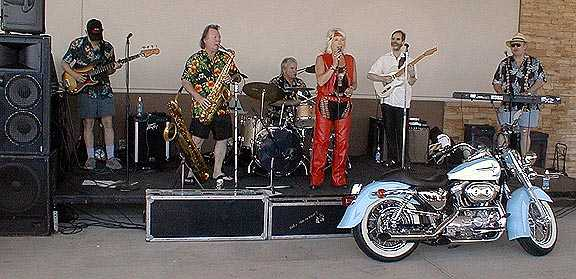 Gail Harris and the Wailers in 2003.  Photo by and courtesy of Laddy Kite